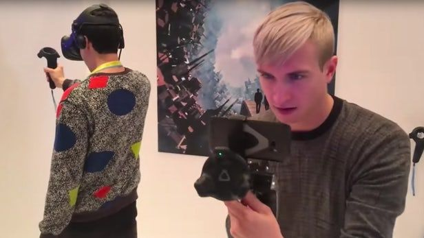 HTC Vive pushes mobile room-scale #VR, real-world props