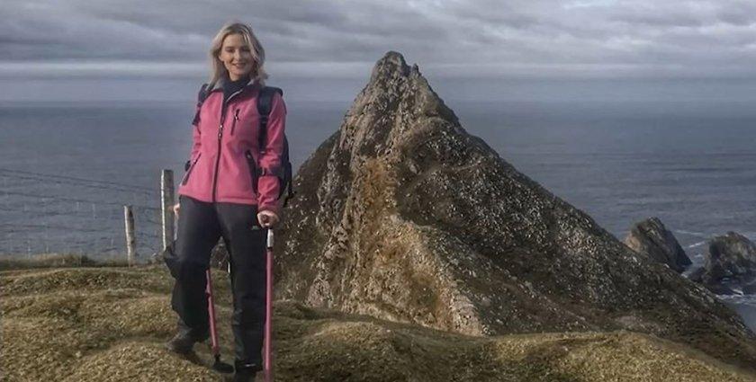 Bone cancer survivor climbs mountain on crutches  ➡️ #5liveDaily