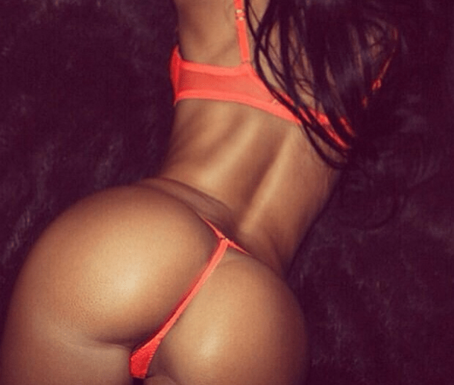You Made It Through Hump Day Reward Yourself With Some Big Ol Booties Eyecandy