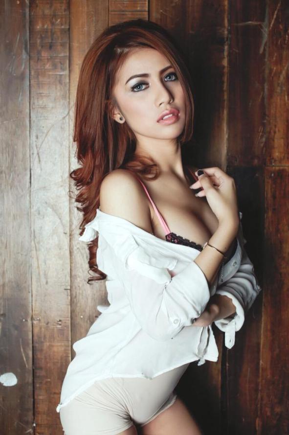 Koleksi foto Seksi Dan Hot Vanya Shinta Bikin Cowok Gerah