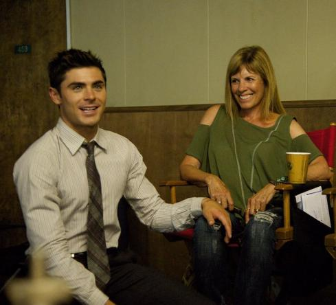 """Zac Efron on Twitter: """"Happy Mother's Day mom, love you with all my heart http://t.co/gi7dffEMQ7"""""""