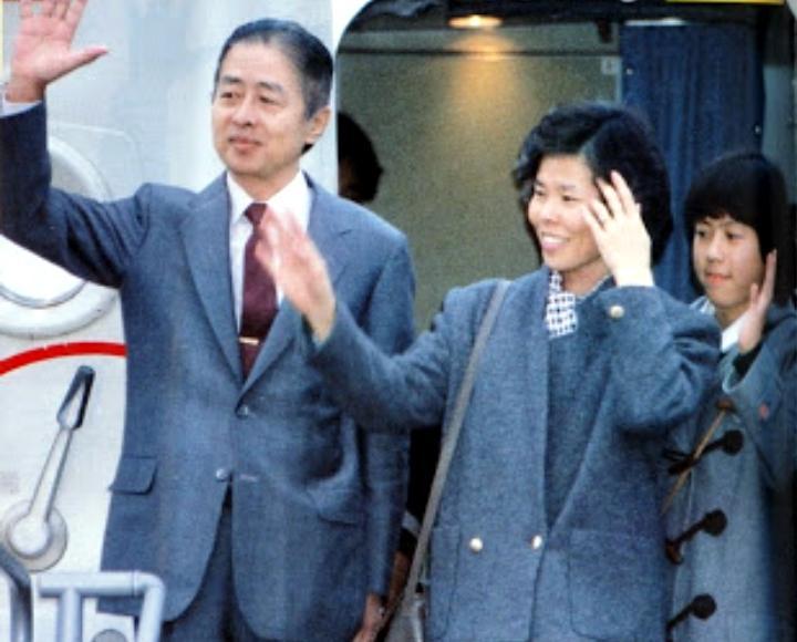 test ツイッターメディア - 三井物産マニラ支店長誘拐事件(1986年) 新人民軍による日本人誘拐事件。 誘拐したW氏を人質とし、三井物産や報道機関を脅迫。その後、身代金と引き換えにW氏を解放した。 日本赤軍も協力しており、共闘路線を築くためだったと見られる。 https://t.co/EfrkQ7G6eO
