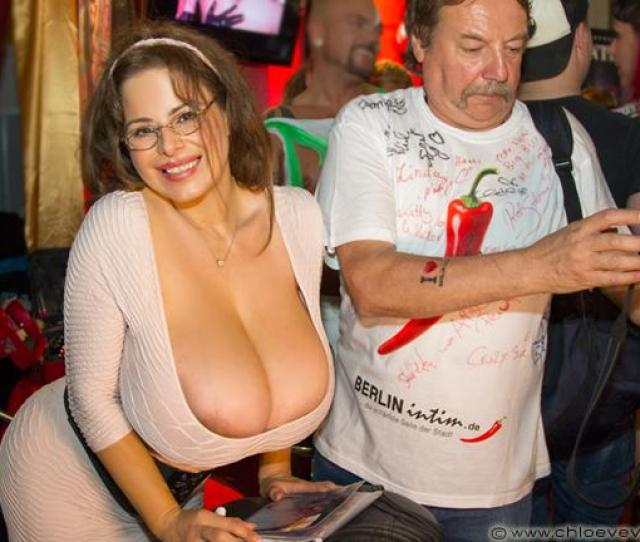 Boobsters Big Boobs On Twitter Huge Natural Breasts Chloe Vevrier Loves Public Indecency  E2 9e A1 T Co 52dyaiej6k T Co P6ov1fjc9o