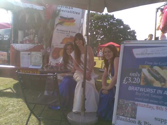princesses at our food trailer