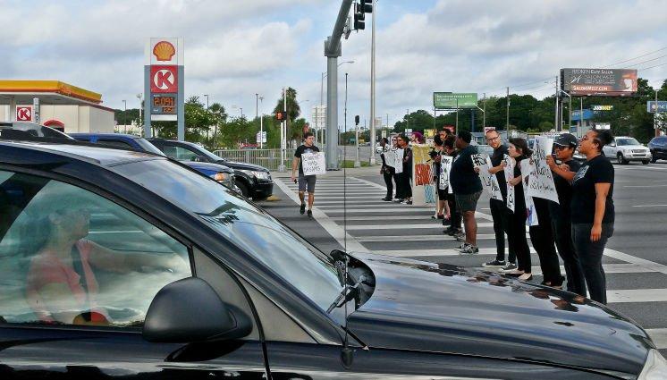 .@BayAreaDDOD block traffic to honor St. Petersburg girls who drowned in pond  #sayhername