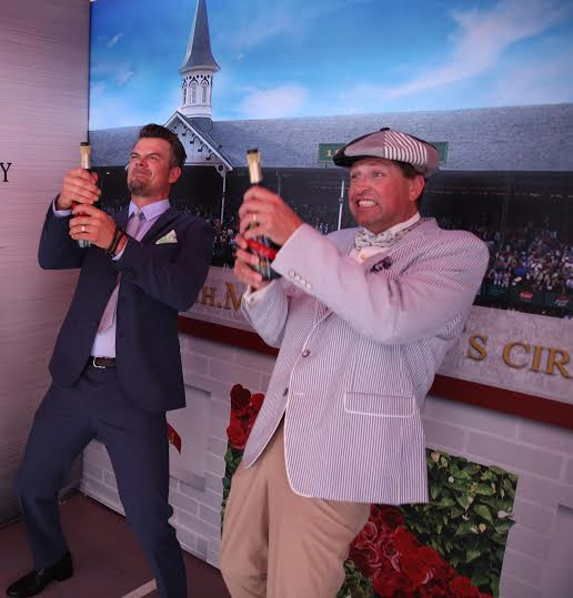 The only @GHMUMM champagne that's ok to waste-virtual reality bubbly!   #DareWinCelebrate #ad