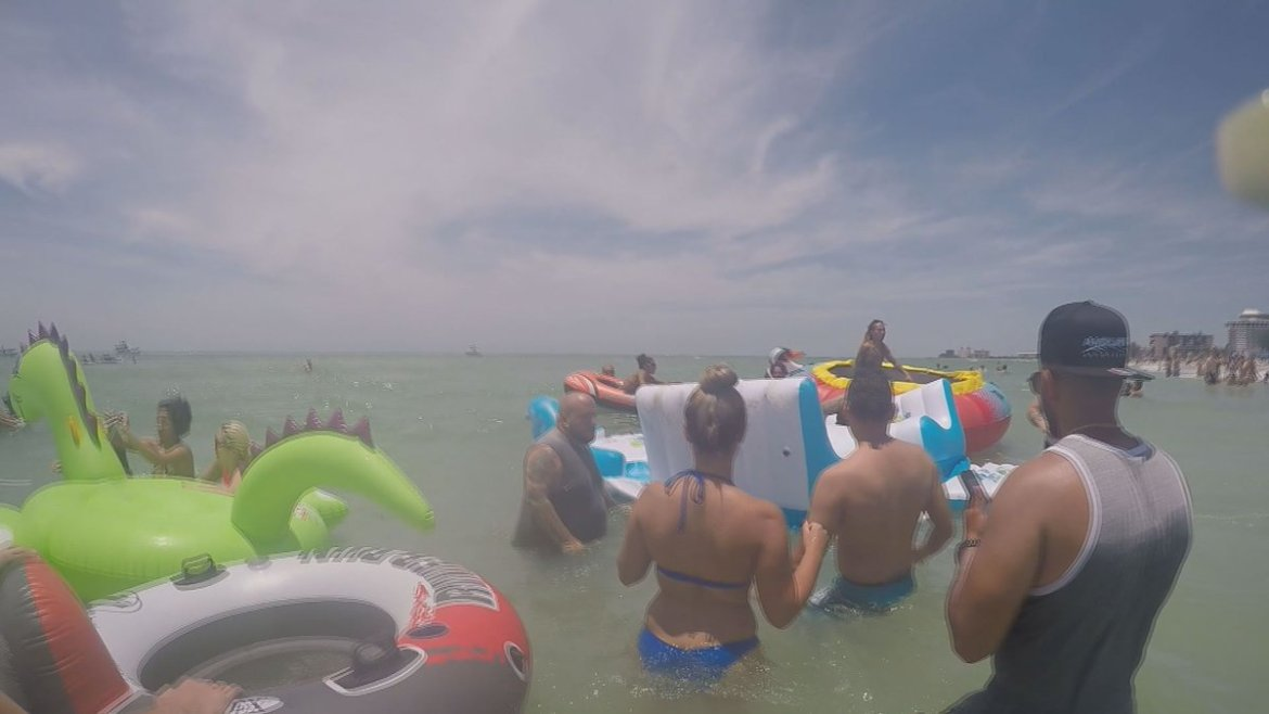 Towing and trash: two concerns from St. Pete Beach float party  @GarinFlowers has the story: