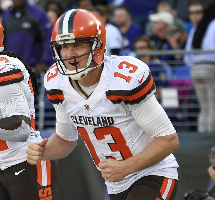 "Report: @DallasCowboys like Josh McCown to back up Tony Romo, @Browns ""reluctant"" to trade"