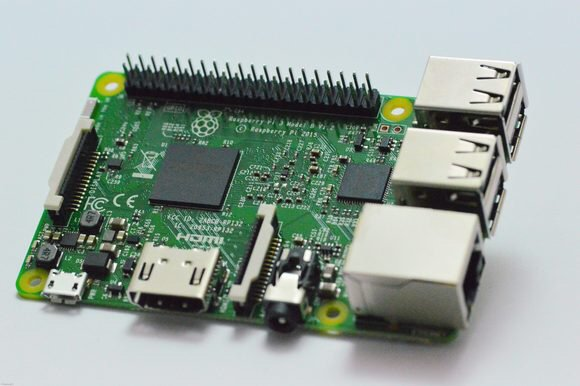#RaspberryPi 3, others get the #Windows10 Anniversary Update for the #IoT