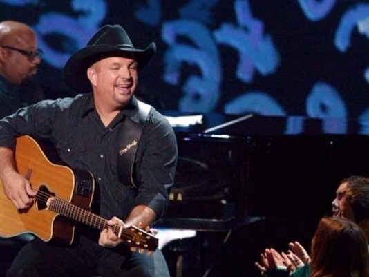 Good news, country music fans! Garth Brooks adds three shows to Orlando stop.