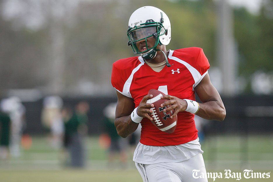 USF quarterback Asiantii Woulard out indefinitely with a foot injury.  #USF @USFFootball