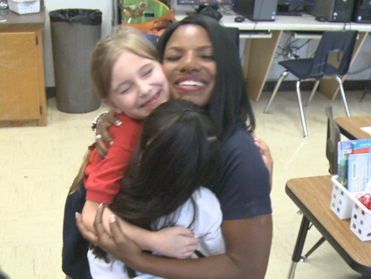 Thanks @10NewsWTSP & @tammiefields for visiting Kingsford Elementary and donating supplies!