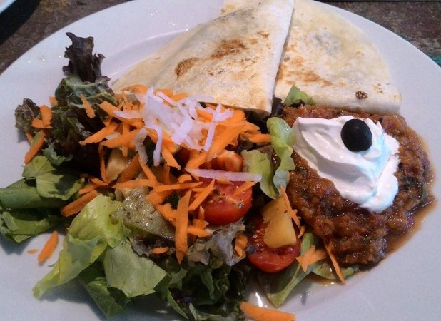 Angel Wicky Official On Twitter Awsome Food In My Favorite Restaurant Radost Fx Peas Soup Eggplant Cheese Tortilla Y Veggie Sour Cream Salad