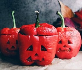 DIY Halloween night in >>
