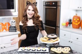 New video! Made some DIY Halloween Treats! Halloween Baking DIY