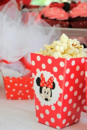 DIY Minnie Mouse Popcorn BoxesDIY momlife party