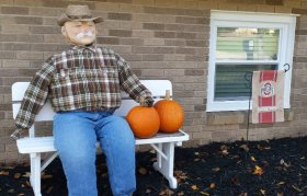 How cool is this creepy scarecrow from JESS44903? scarecrow DIY crafts