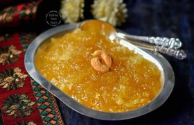 is yummilicious Kasi Halwa, a traditional South Indian sweet :) ://