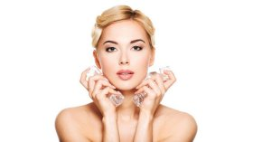 Ice Therapy Works Wonders for Your Skin's Health & healthtips beautysecrets skincare
