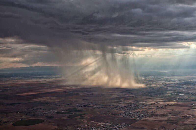 عشاق عالم الطيران On Twitter هل شاهدت السحابه وهي تمطر من