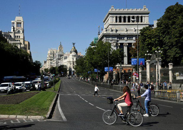 Madrid is giving itself a 9-day car ban for Christmas