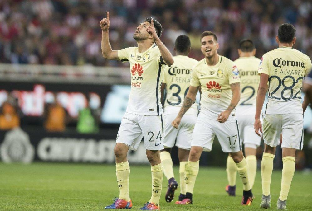 Oribe Peralta notó el gol del triunfo ante Chivas