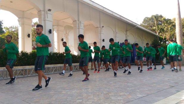 PSSI - FAIVerified account @pssi__fai Latihan ringan Timnas Indonesia di Hotel Daewoo Hanoi jelang pertandingan nanti malam. Vietnam vs Indonesia, Rabu (7/12) KO 19.00 WIB @RCTI