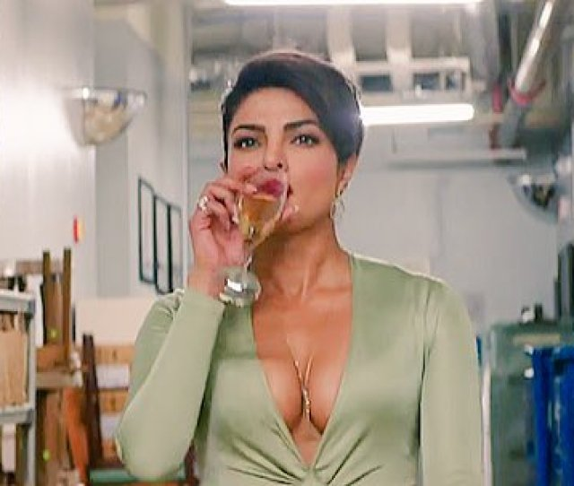 Faridoon Shahryar On Twitter A Hot And Happening Priyankachopra In Baywatch Waiting To See More Of Her Soon