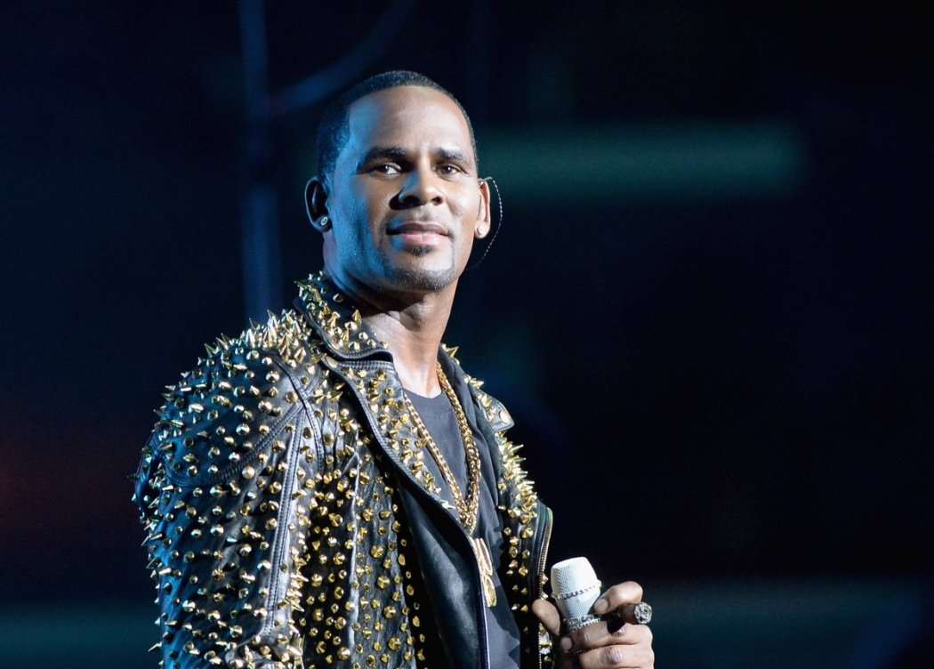 D0B7CtUX0AE8mJ0 - Breaking!!! R Kelly Facing Up To 7 Years Imprisonment Over Rape Case