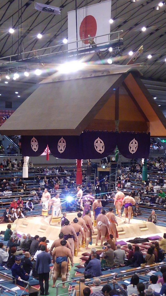 test ツイッターメディア - 大相撲三月場所千秋楽。 九州場所よりも両国国技館よりも近い!近すぎる!!二階席なのに!!! #sumoday #sumo #大阪 https://t.co/cS3tm02ZyG