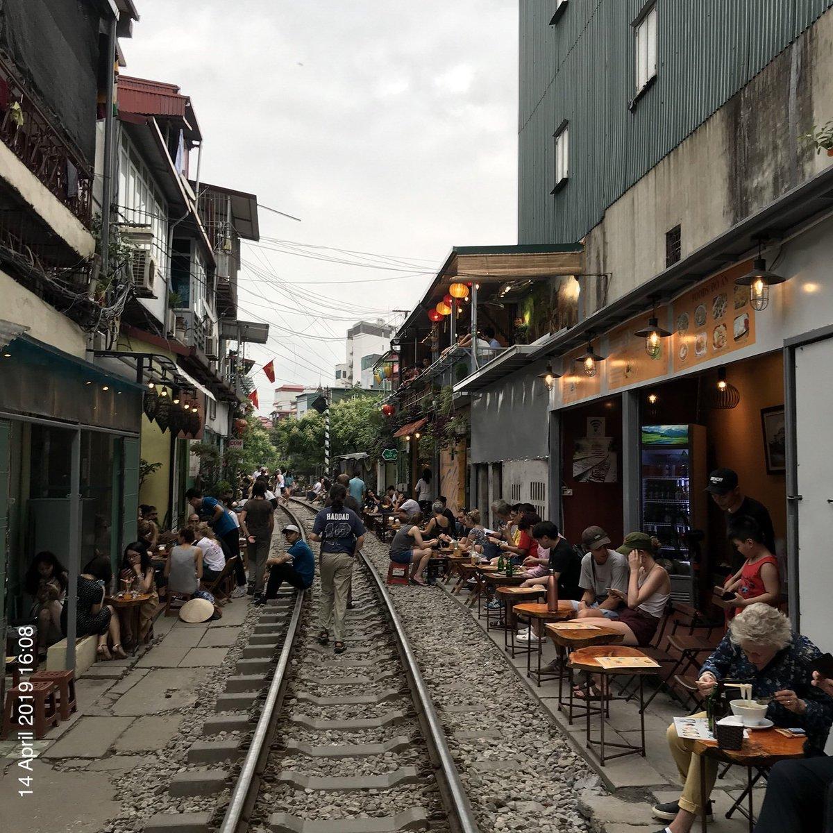 Rail-to-trail Hanoi style