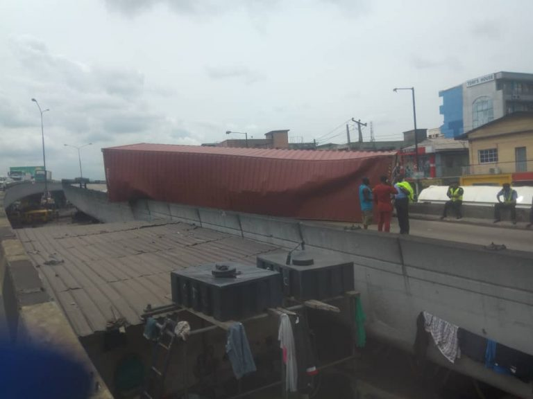 D5 I7yJW0AIc0pS - Just In: Another Container Falls On Ojuelegba Bridge(Photos)
