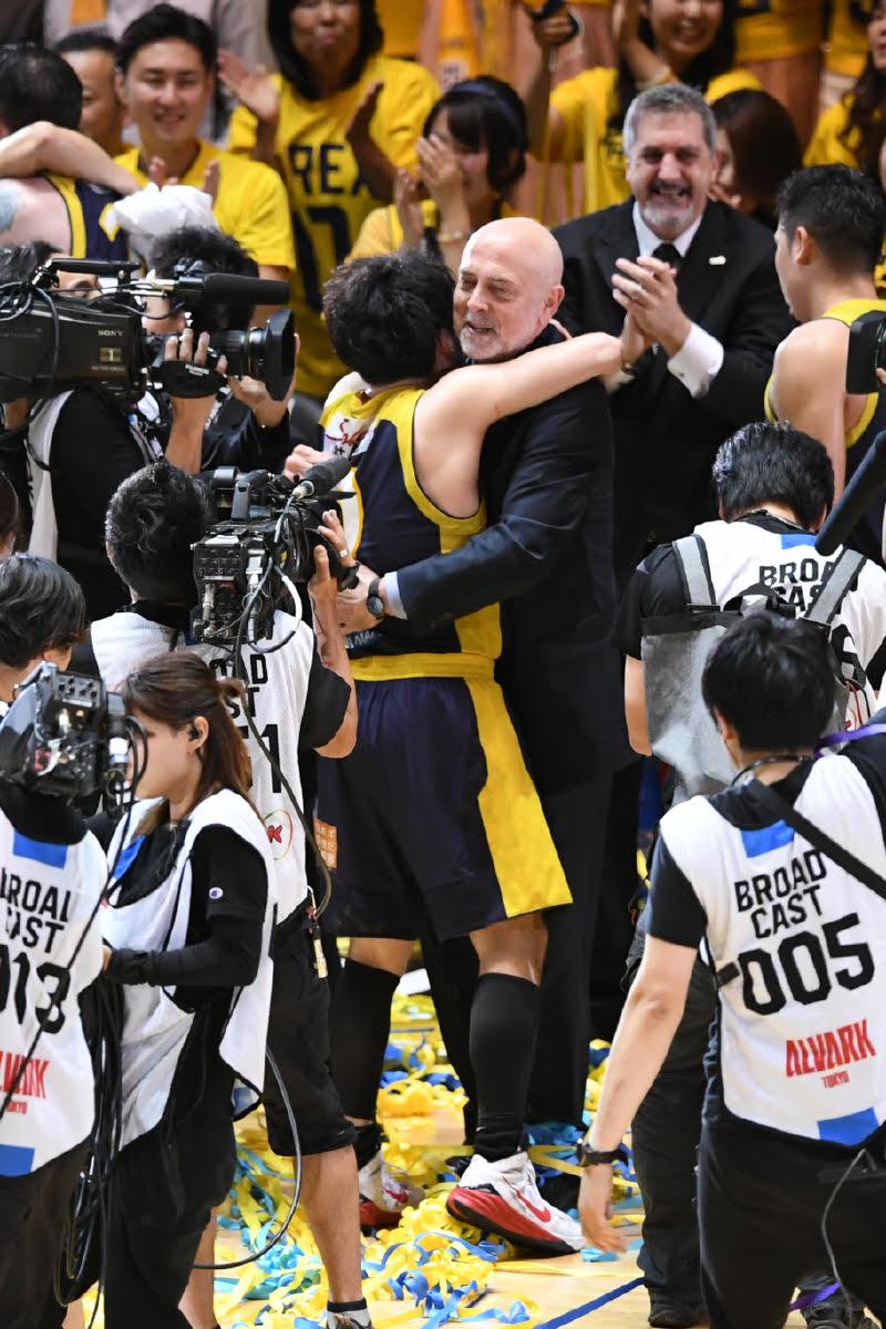 test ツイッターメディア - #Bリーグ CSファイナル◎田臥勇太(栃木)試合後コメント「まずはここまで激しく戦ってきた川崎さんに敬意を表したいと思います。仲間を信じて、ブレックスファンを信じて戦いました。本当に多くの皆さんのおかげです。ありがとうございます」(写真:坂本清) #バスケ #スポナビバスケ https://t.co/bRflddIBbr
