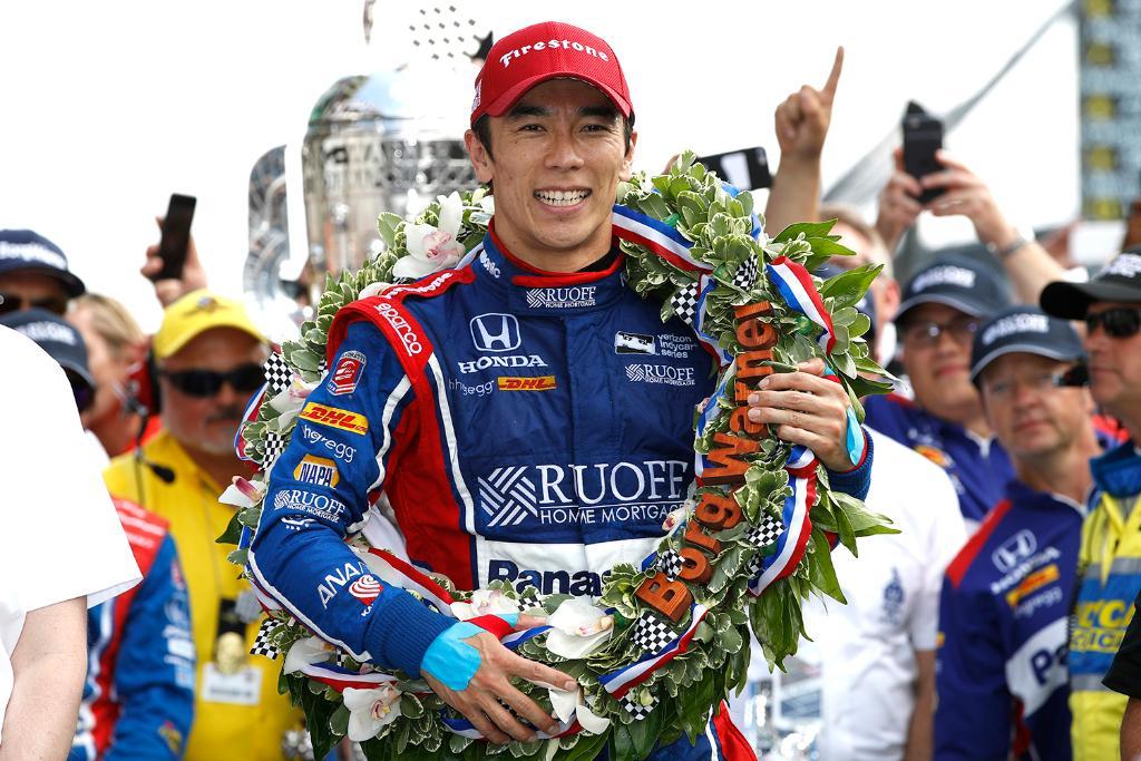 test ツイッターメディア - 世界三大レースの一つ、インディ500で佐藤琢磨選手が優勝! 日本人ドライバーとして初の快挙で、歴史にその名を刻みました…‼︎涙。 @TakumaSatoRacer おめでとう!!!!!! #IndyCar https://t.co/7kOUllRhK2 #ホンダモースポ https://t.co/ogoDSUeUyp