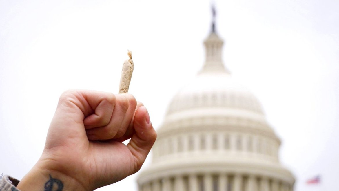 Why marijuana business owners are storming Capitol Hill