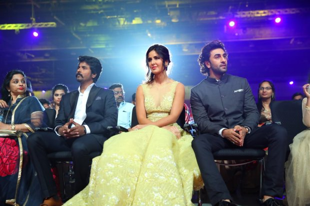 Ranbir & Katrina Looks Like Prince & Princess Of Fairy Town In Their Latest Picture At This Event!