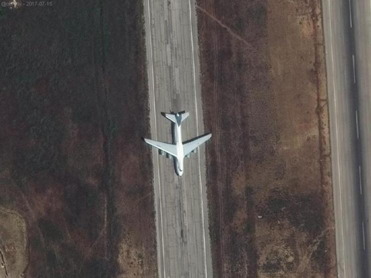 DGFgK3wXYAEzzJP Российская авиабаза Хмеймим расширяется