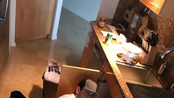 You'll Never Guess How Aaron Rodgers Fixed Sam Dekker's Sink…He Just Plugged It In
