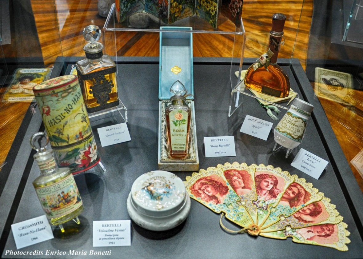 "Unconventional Tour on Twitter: ""Sabato 16 L'ARTE DEL #PROFUMO A  #CASABOSCHIDISTEFANO https://t.co/CVxo5vOgc7 #neiade #ad  #MuseodelprofumoMilano #milano #arte #lifestyle… https://t.co/O7ZKSfUmjQ"""