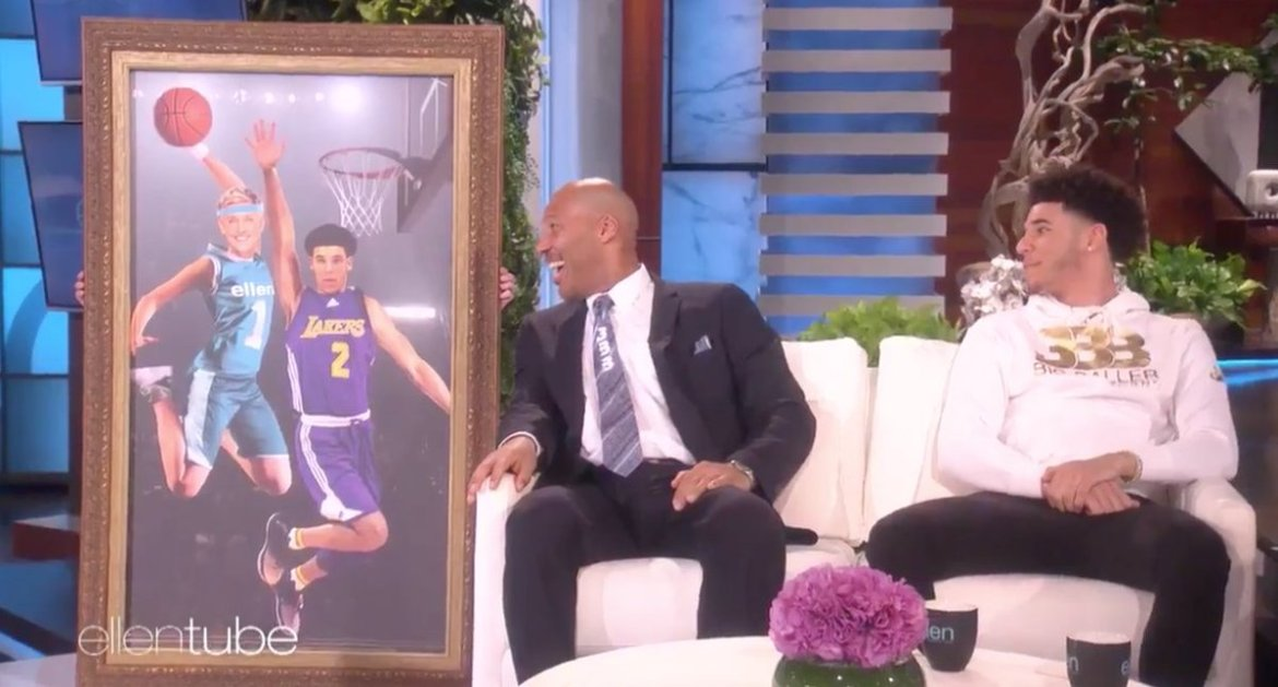 Ellen gave Lonzo a gift for his new apartment 😂  🎥: