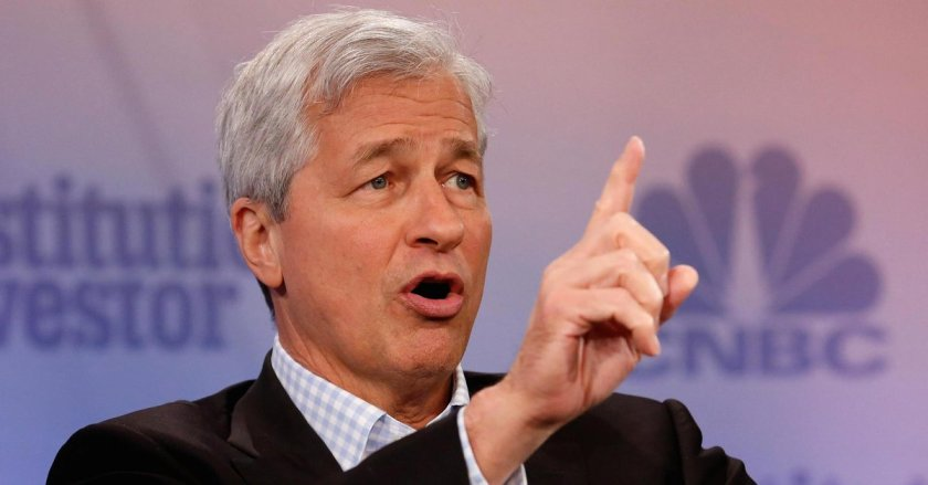 Jamie Dimon lays into bitcoin again, says it's 'worth nothing'