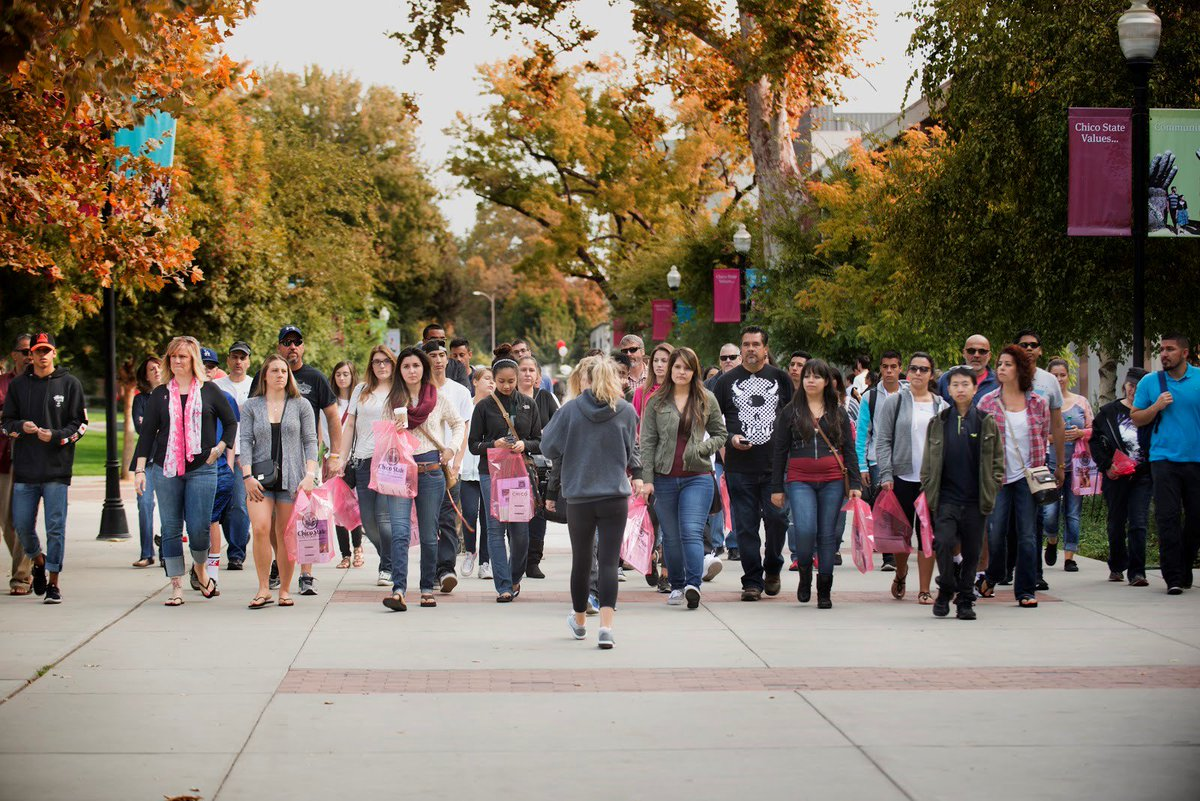 A group of prospective students and parents tour the Chico State campus.