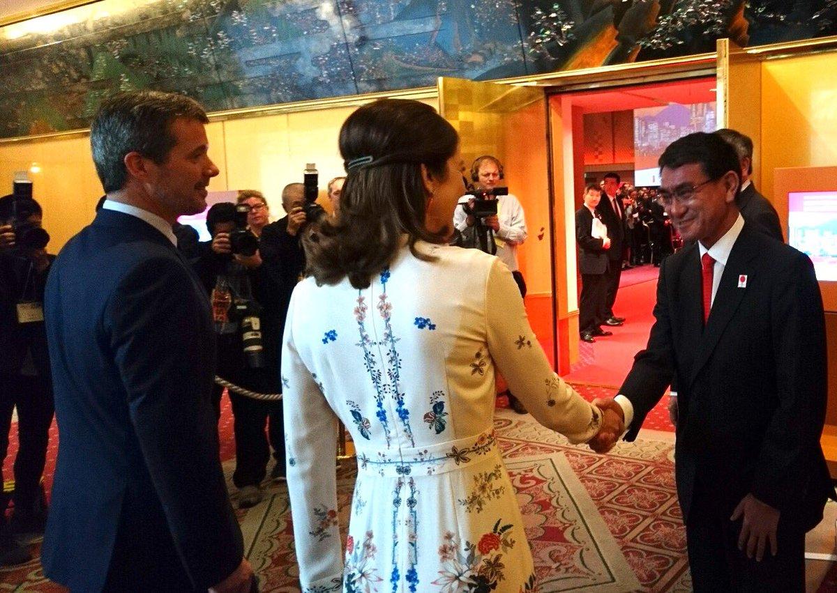 test ツイッターメディア - 選挙の合間に、日本デンマーク修好150周年行事の開会式でデンマーク皇太子殿下ご夫妻をお出迎え。 https://t.co/4dYr4eWLVA