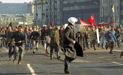 """PCPE on Twitter: """"#Taldiacomohoy en 1993 el pueblo ruso salía a ..."""
