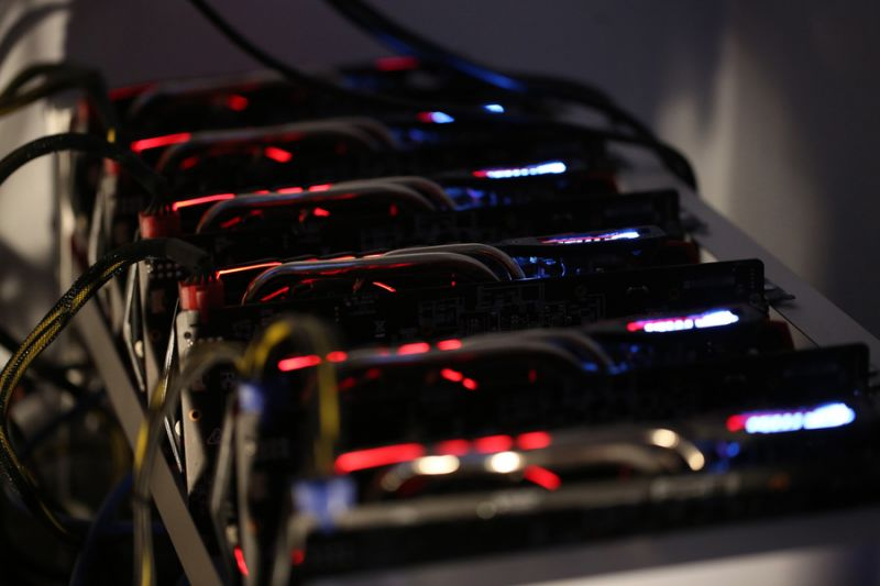 Bitcoin pioneer says new coin to work on multiple blockchains