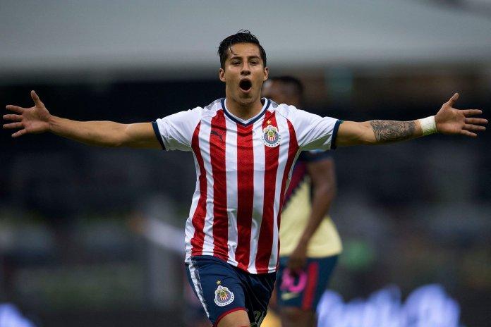 Repetición: Gol de Chivas Carlos Cisneros