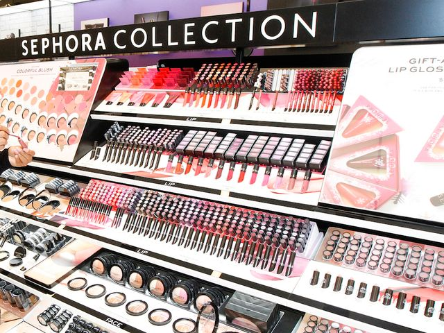 Woman files lawsuit claiming Sephora lipstick sample gave her herpes