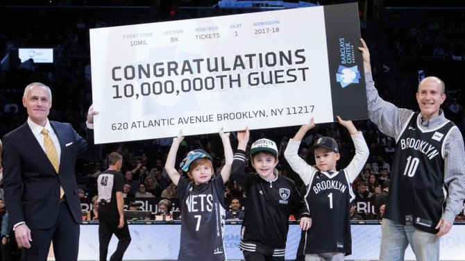 Brooklyn Nets celebrate 10 millionth guest at @barclayscenter during Friday night's game vs. Utah   Read More » https://t.co/3vslg0zev3