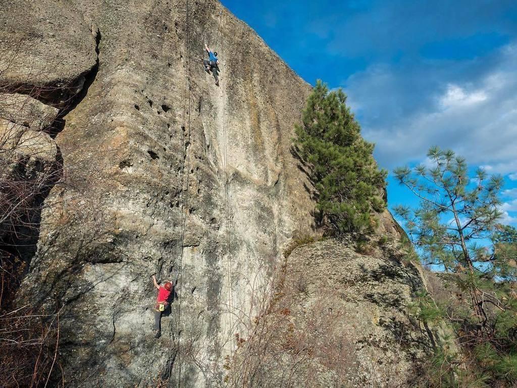 test Twitter Media - Seeking adventure. 📷: @thebackwoodsmama - thanks for sharing your outdoor explorations with us! #visitwestside #explorebc #rockclimbing https://t.co/H2KgYcFkT4 https://t.co/Z75DCMAzGa