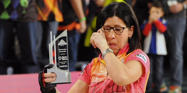 test Twitter Media - .@liz_johnsonbowl became the second woman in the 60-year history of the Professional Bowlers Association to win a national tour title ➡️https://t.co/Rmied9IRhx https://t.co/pa1tMp1JSB